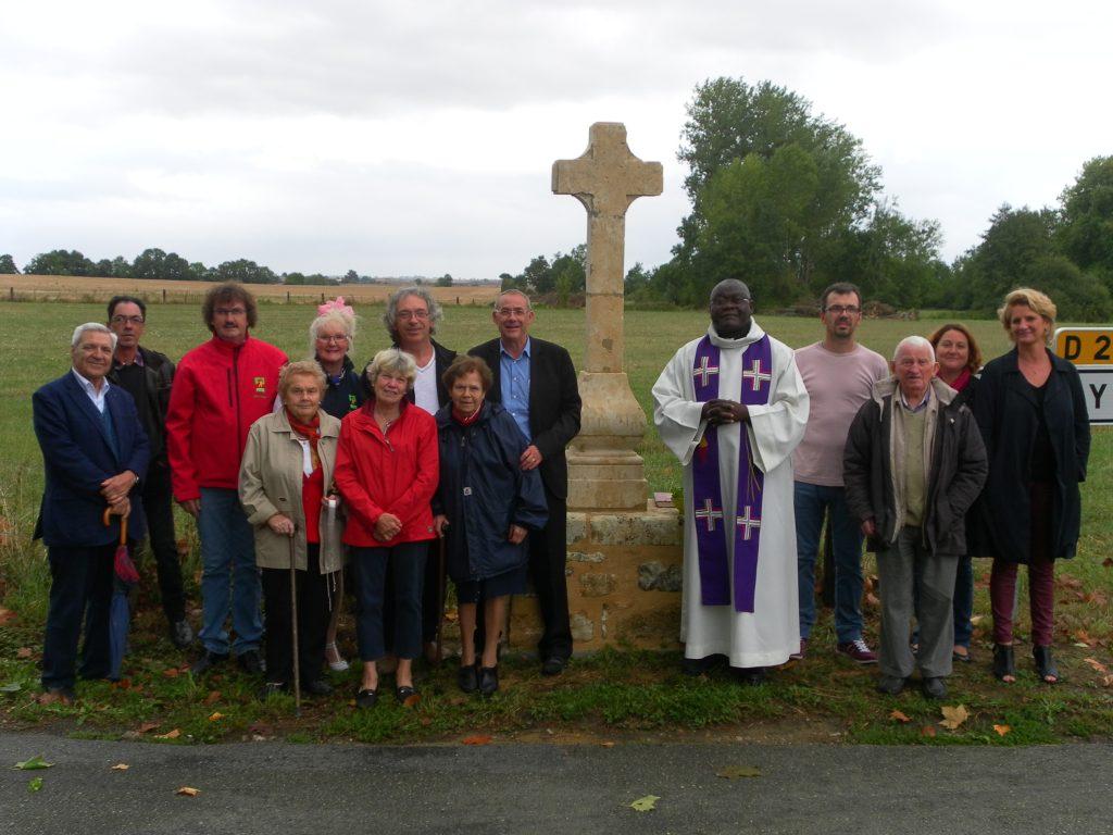 Inauguration de la croix nouvellement restaurée à Bernay-en-Champagne