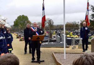 Vincent HULOT, maire. de Bernay-Neuvy-en-Champagne le 11 novembre 2018, commémoration du centième anniversaire de l'armistice de la Grande Guerre